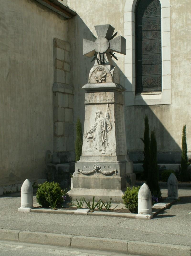 Monument des GLIERES Pict0632