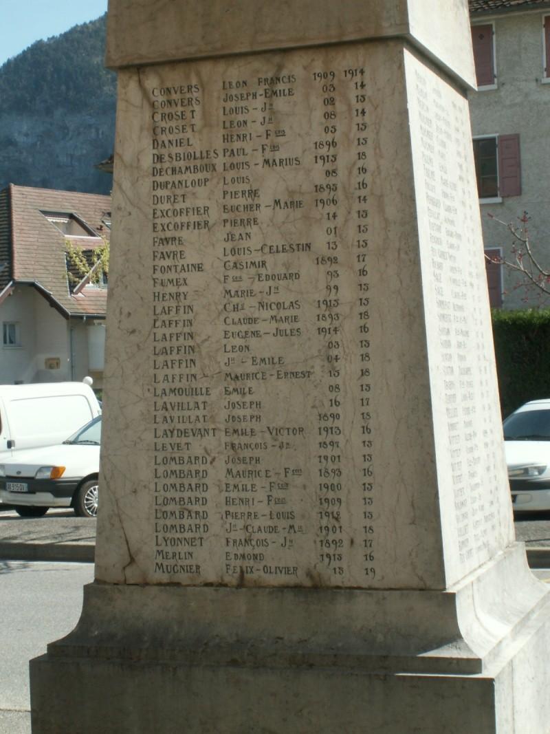 Monument des GLIERES Pict0633
