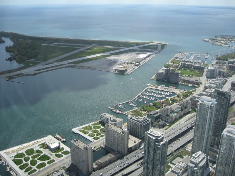 Toronto / City Centre Airport - (TCCA) - (YTZ / CYTZ) Img_3112