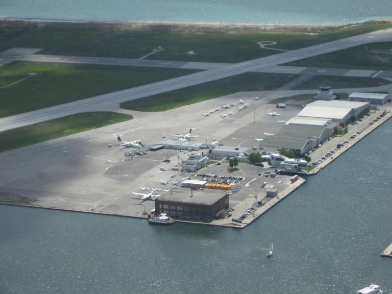 Toronto / City Centre Airport - (TCCA) - (YTZ / CYTZ) Img_3113