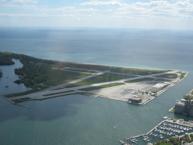 Toronto / City Centre Airport - (TCCA) - (YTZ / CYTZ) Img_3114