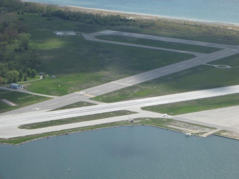 Toronto / City Centre Airport - (TCCA) - (YTZ / CYTZ) Img_3117