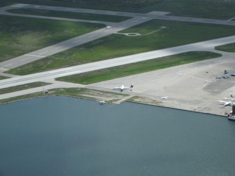 Toronto / City Centre Airport - (TCCA) - (YTZ / CYTZ) Img_3210