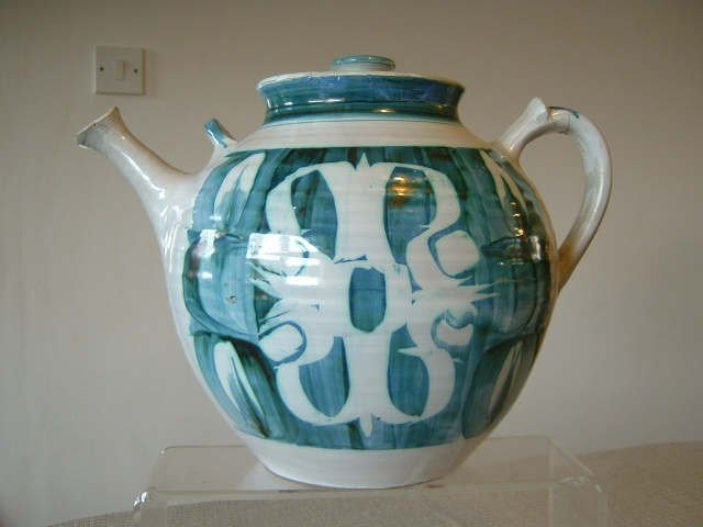 Aldermaston Pottery 00428