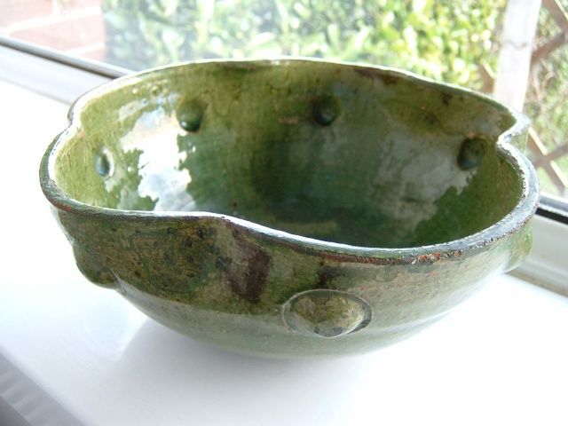 Farnham Pottery (Surrey) - Page 2 01715