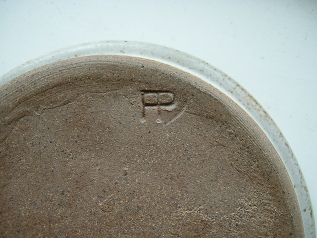 small face dish - Fangfoss pottery 02910