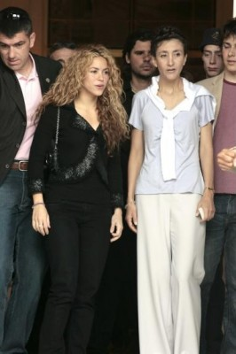 Shakira with Ingrid Betancout (pics) Normal38