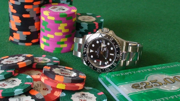 ROLEX GMT MASTER II ou ULYSSE NARDIN DUAL TIME 42 MM ? - Page 4 Dsc00012