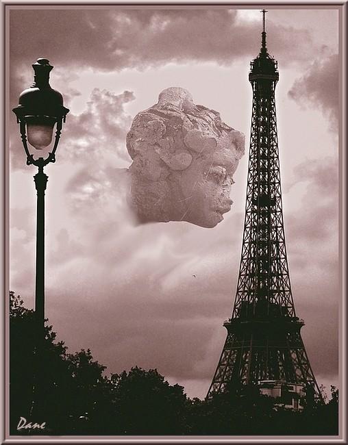 une apparition entre les nuages.... 1_comp10