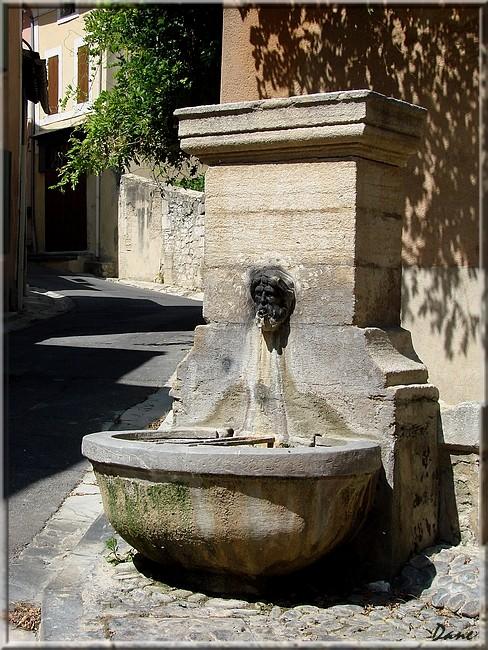 portes et fontaines en Lubéron 1_font11