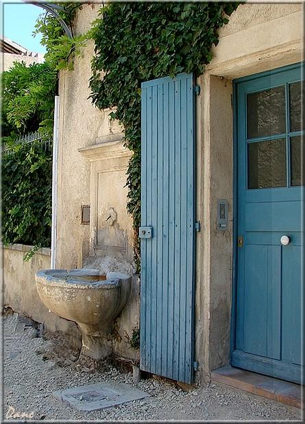 portes et fontaines en Lubéron 1_font12