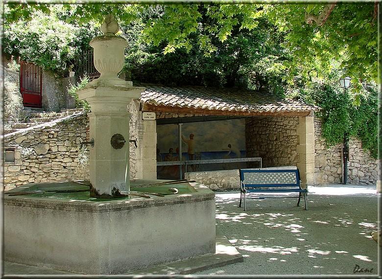 portes et fontaines en Lubéron 1_plac10