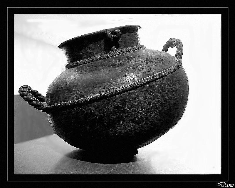 vase au musée Guimet à Paris en N&B Vase_g12