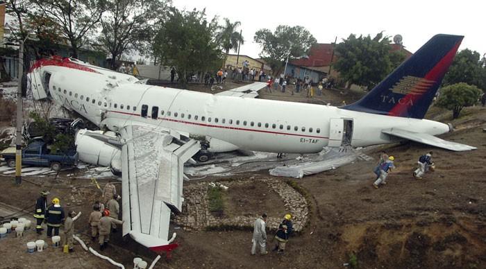Acidente com A320 da TACA nas Honduras 83307010