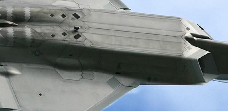 F-22 Raptor - Page 16 004un10