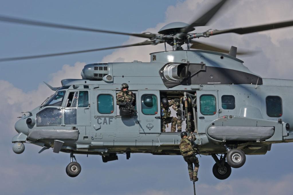 Hélicoptères de Transport Tactique/lourd - Page 3 24940710