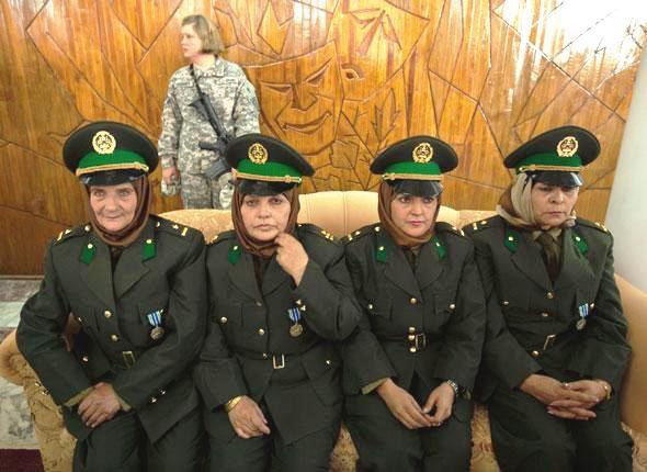 soldates du monde en photos - Page 7 29319310