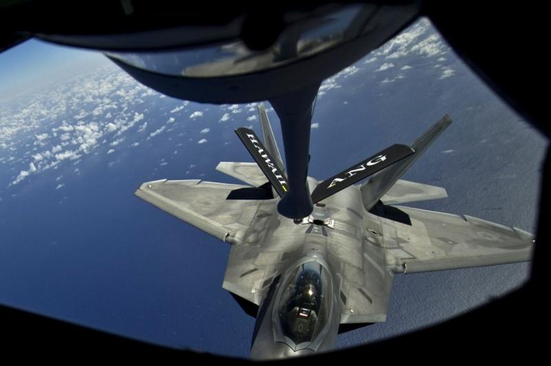 F-22 Raptor - Page 16 41855_10