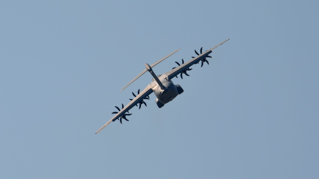 Airbus A400M - Page 9 A-400_10