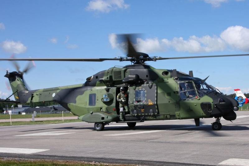 Hélicoptères de Transport Tactique/lourd - Page 3 Mlm12110