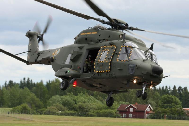Hélicoptères de Transport Tactique/lourd - Page 3 Mlm12111