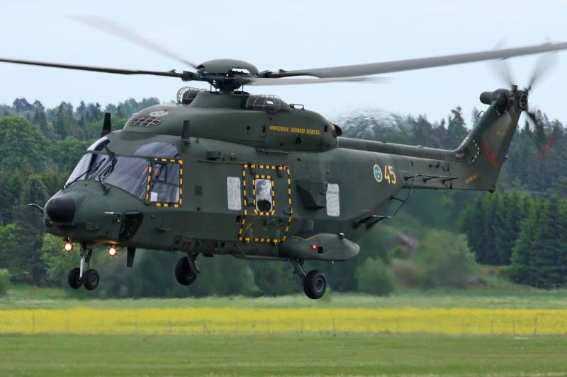 Hélicoptères de Transport Tactique/lourd - Page 3 Mlm12710