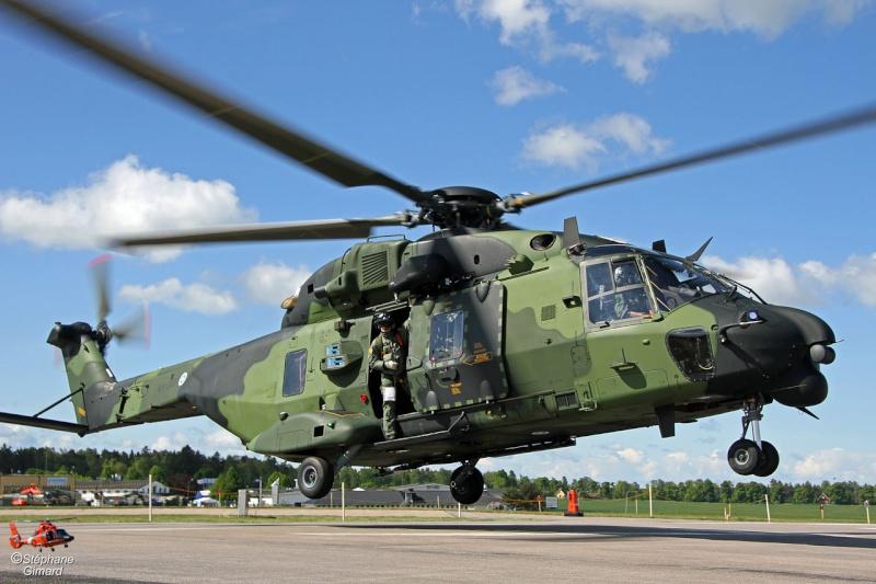 Hélicoptères de Transport Tactique/lourd - Page 3 Mlm12s10