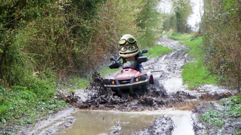 j'ai prêté mon quad a Crazy Frog Crazy_11