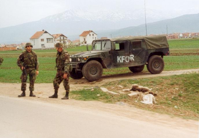 Vous avez vu ou croisé un Hummer ?? venez le renseigner Kosovo10