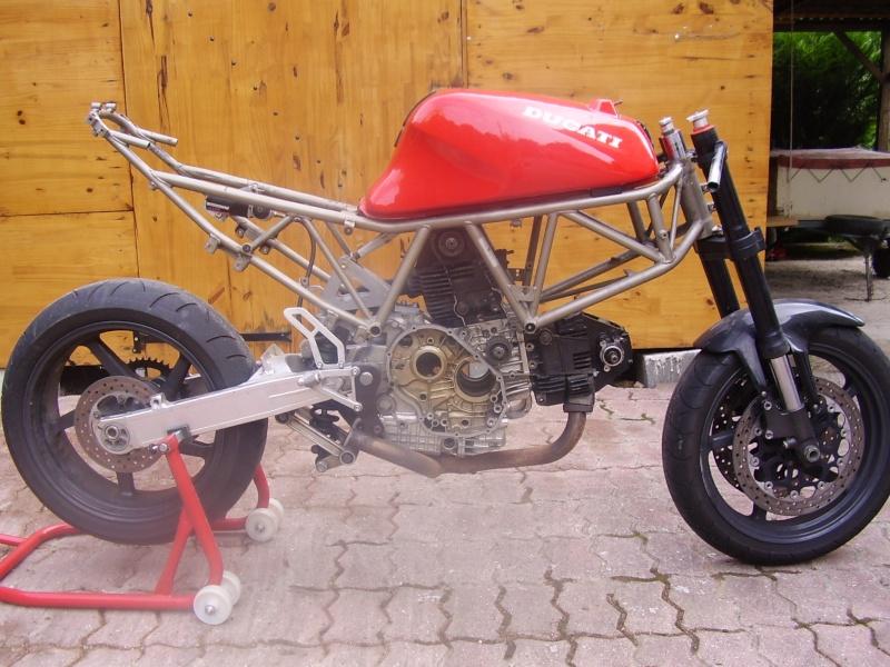 Reconstruction de ma 900ss-->transfo en Dirt Fighter P 15 ! P6200010
