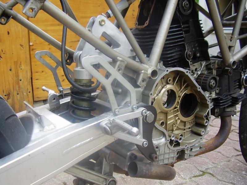 Reconstruction de ma 900ss-->transfo en Dirt Fighter P 15 ! P6200014