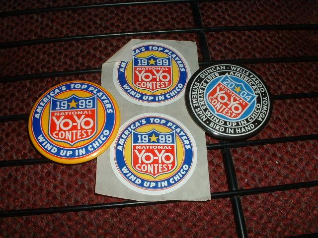[CHIUSA VINTA] asta 270247080806 Lot of US National Yo Yo Contest items pins + stickers 14359810