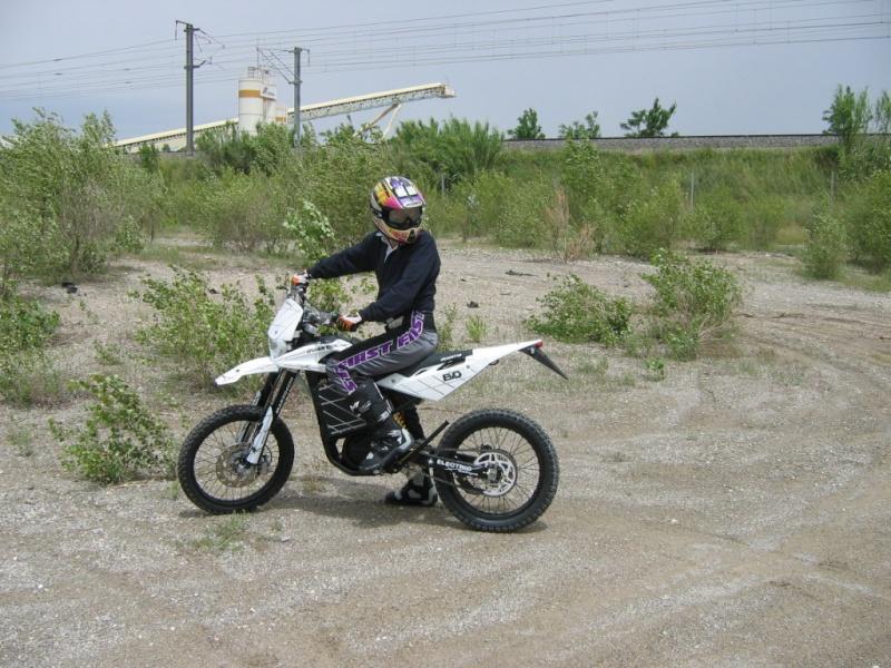 Photos moto électrique Quantya 2008 : le scoop ! Img_3712