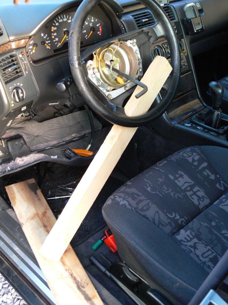 [TUTO] Dépose du volant et air bag (W210) 315