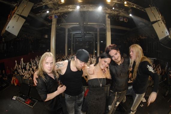 Tuomas Holopainen - Page 4 Le_gro12