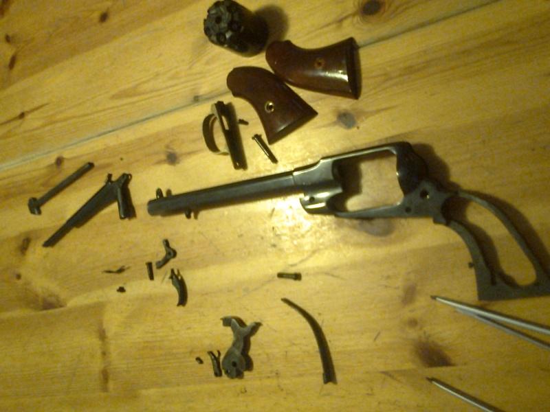 grand démontage d'un revolver remington 1858 Photo017