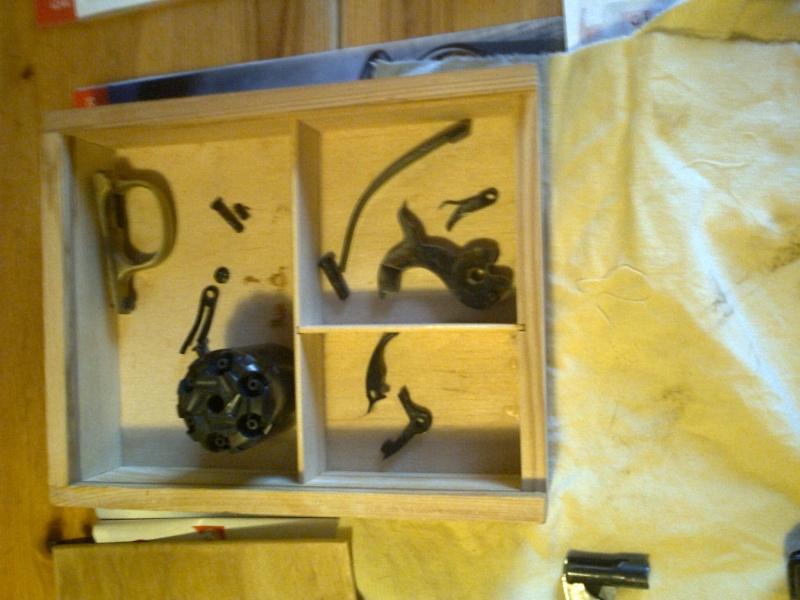 grand démontage d'un revolver remington 1858 Photo026