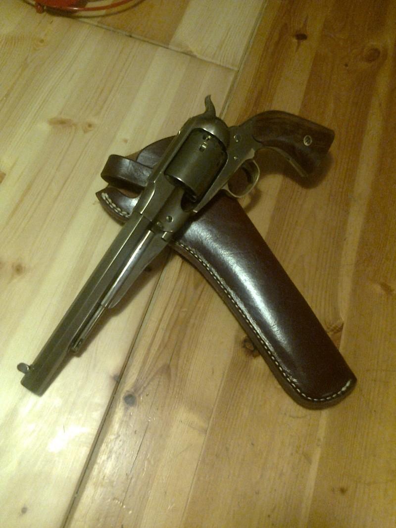 grand démontage d'un revolver remington 1858 - Page 2 Photo040