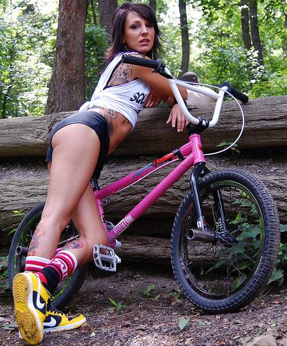 Girls on bike ! 63395110