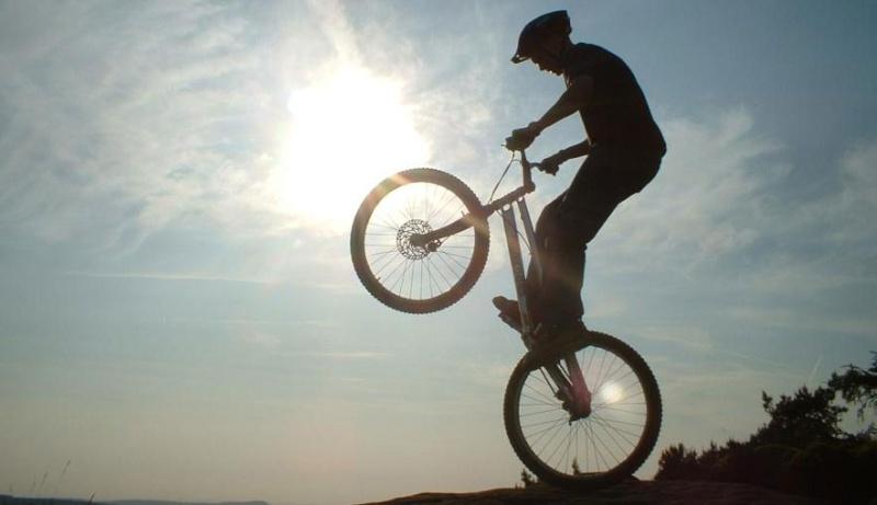 Trial Bike Holdin10