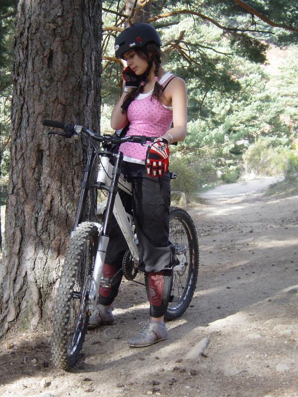 Girls on bike ! Pbpic115