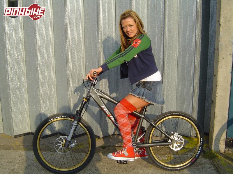 Girls on bike ! Pbpic410
