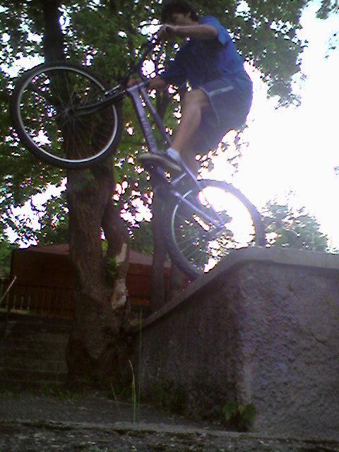 Trial Bike Ph0to010
