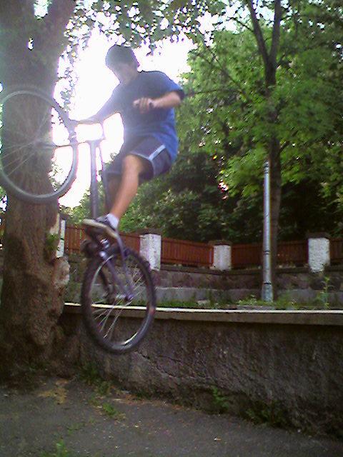 Trial Bike Ph0to011
