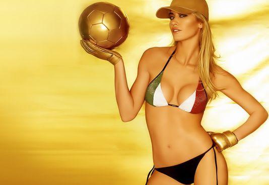 femmes de footballeur - Page 3 52643_11