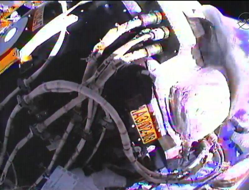 [STS-135] Atlantis: Déroulement de la mission.   - Page 3 Eva1210