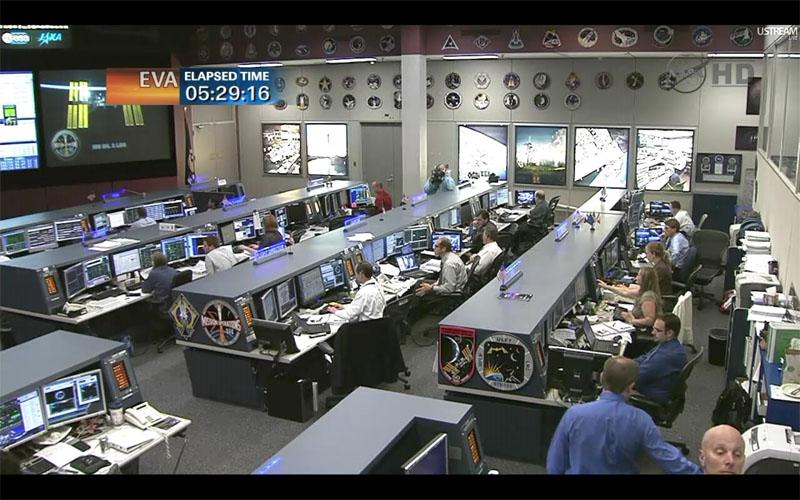 [STS-135] Atlantis: Déroulement de la mission.   - Page 3 Eva1310