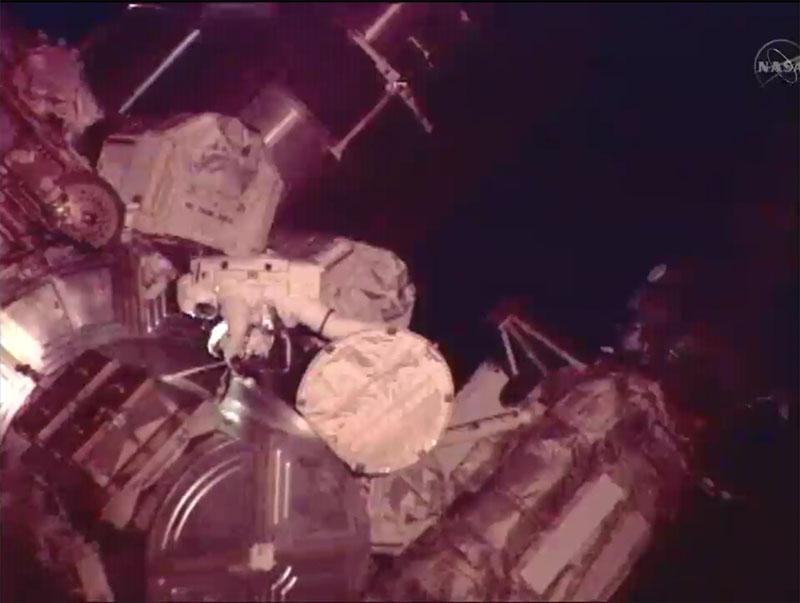 [STS-135] Atlantis: Déroulement de la mission.   - Page 3 Eva1410