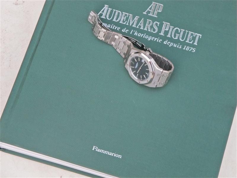 """Livre """" Audemars Piguet, le maître horloger depuis 1875 """" Img_9023"""