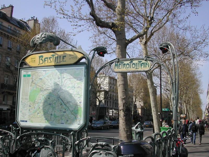 La Bastille et ses environs - Page 4 2004_010